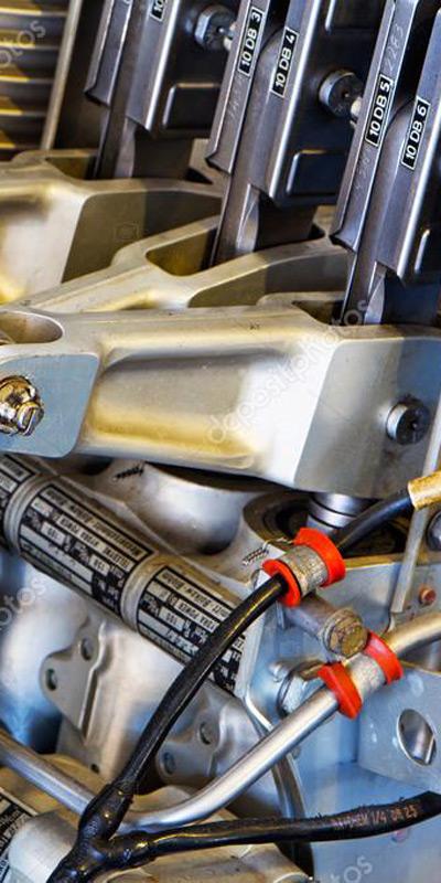 pièces mécaniques, moteur, alternateur pelleteuse